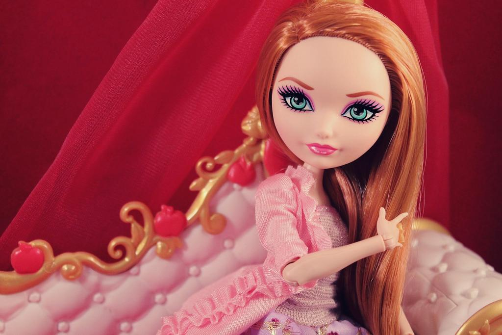 Кукла Холли